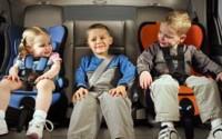 Как правильно установить в автомобиле детское кресло?