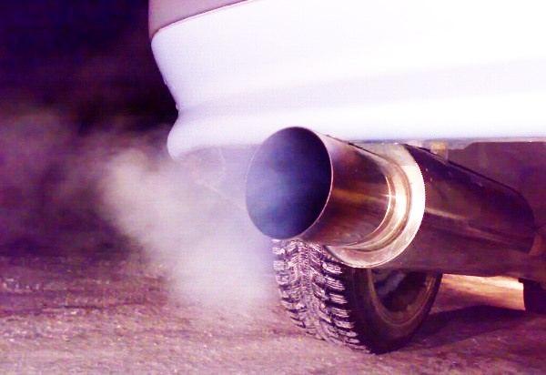 выхлопные газы автомобиля