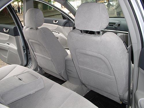 заднее сиденье автомобиля